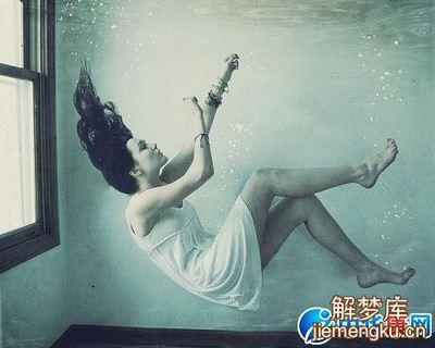 梦见祖坟被水淹